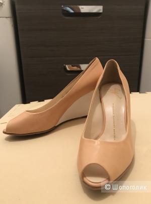 Летние туфли с открытым носом, размер 38 европейский, Giuseppe Zanotti