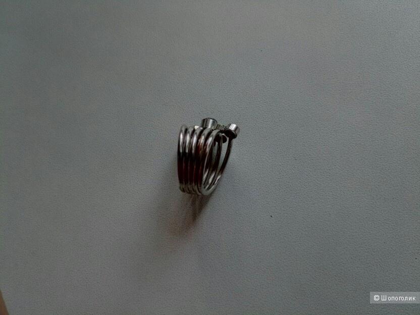 Комплект бижутерии (серьги и кольцо)
