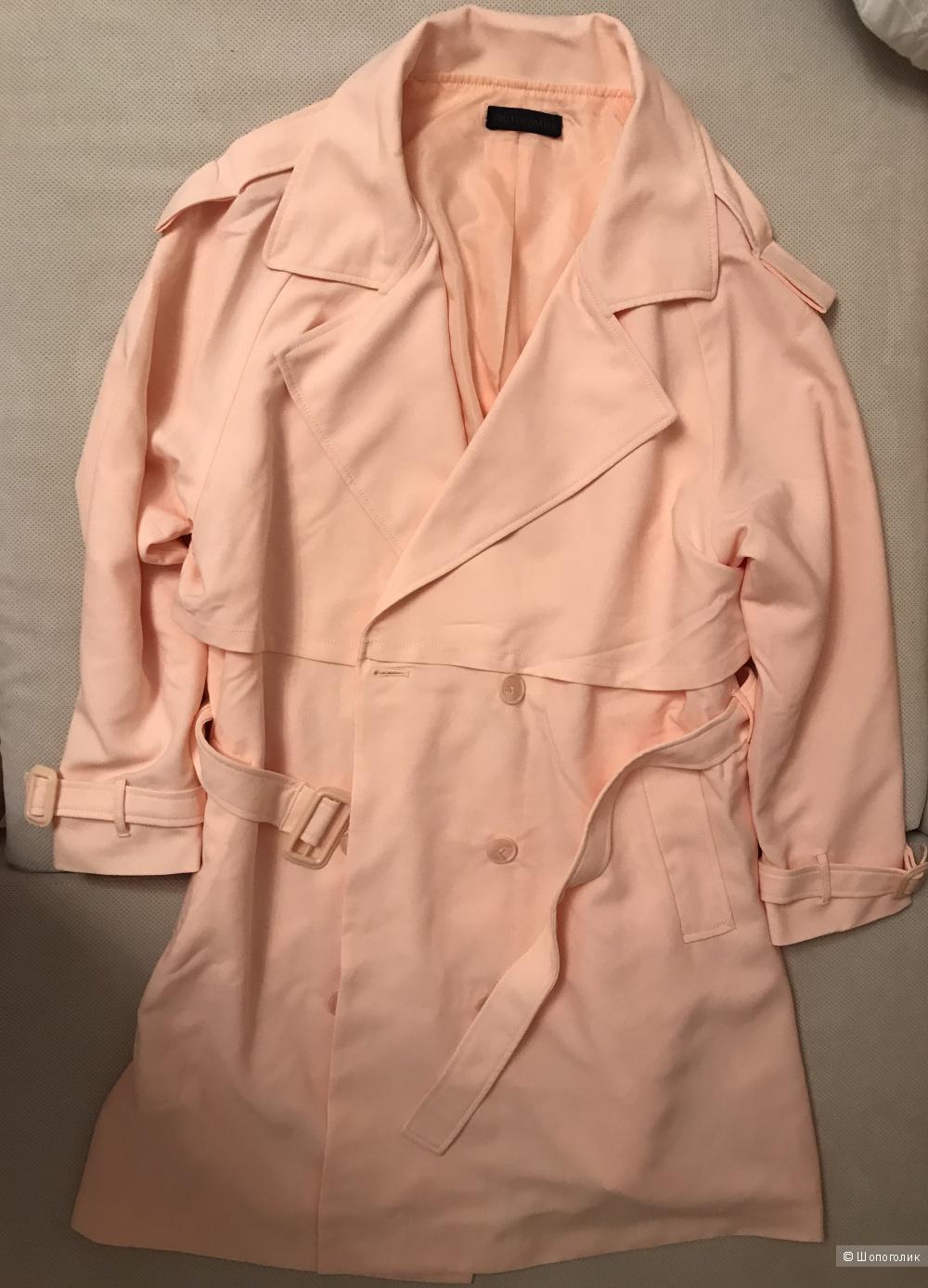 Пальто Trussardi 48 RU