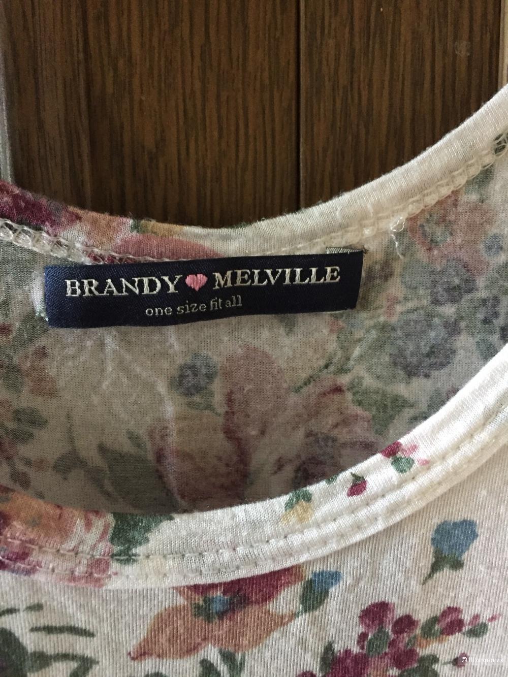 Майка Brandy Melville.