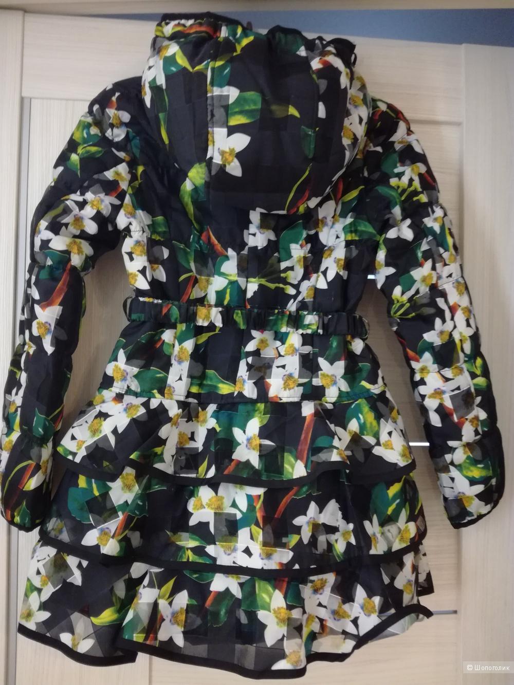 Пальто фирмы JAN STEEN на девочку р.140.
