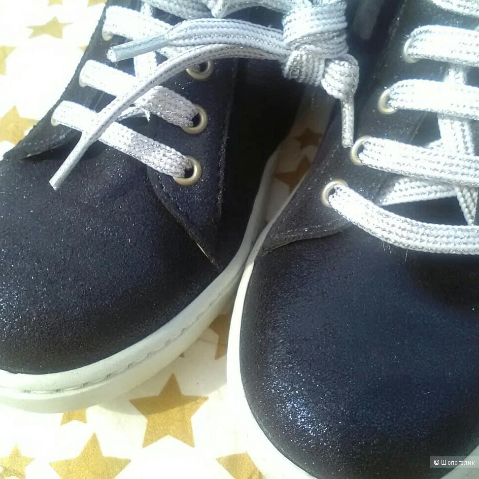 Ботинки для девочки 31 размер DRAM.