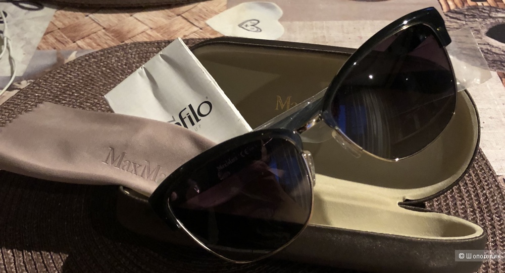 Солнцезащитные очки от  МаксМара