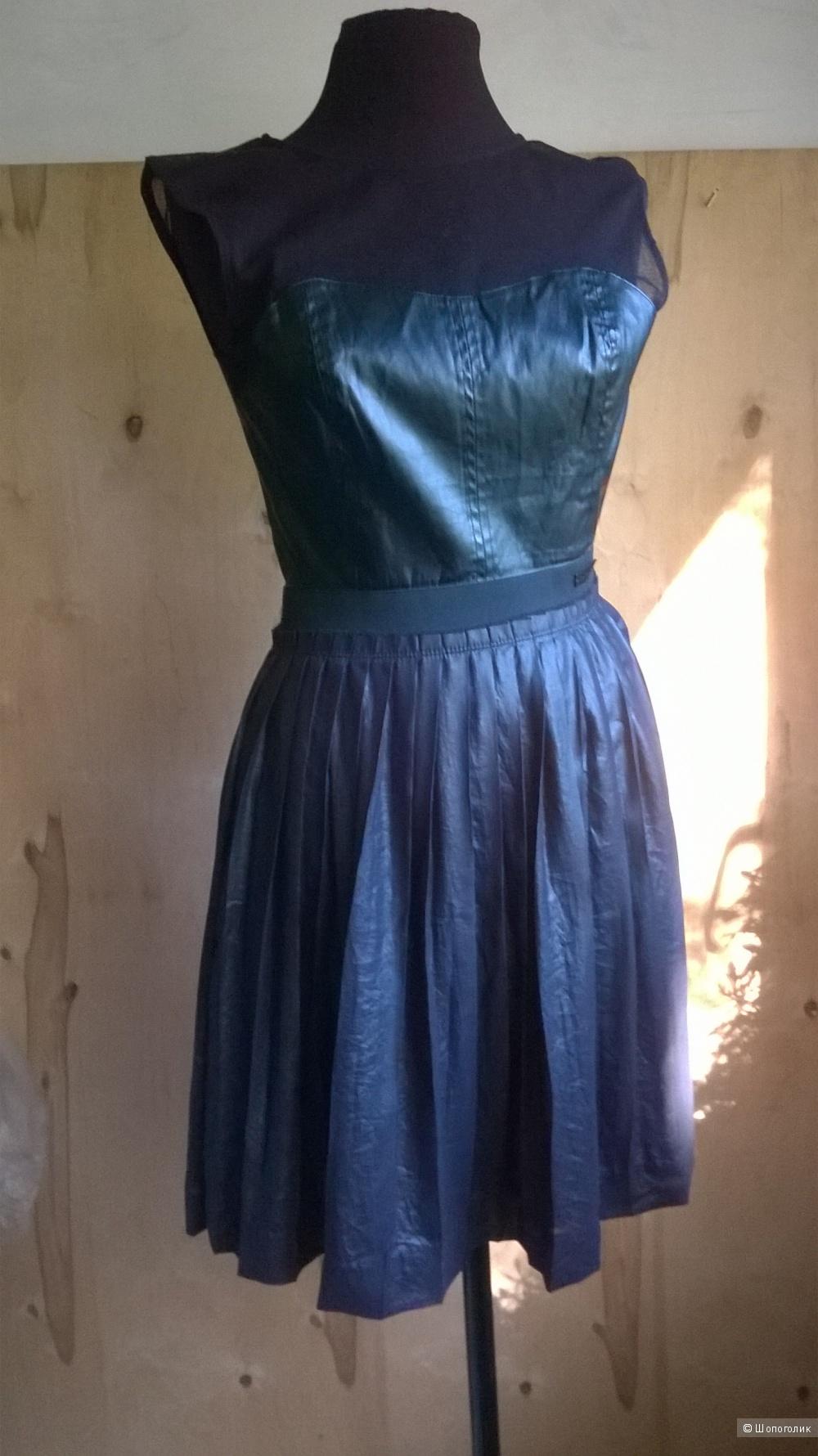"""Платье """"GUESS """"  р.XS (на 42-44)"""