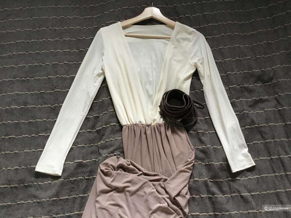 Платье с поясом 44-46 размер