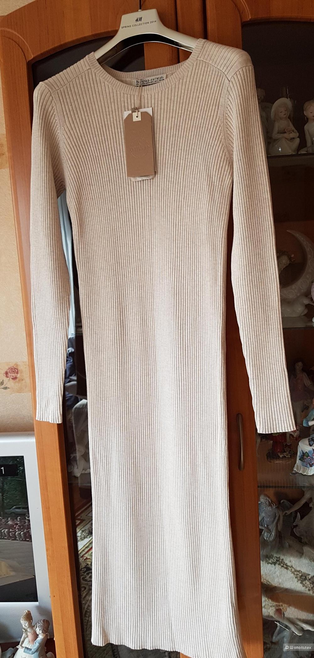 Платье Bershka, размер М