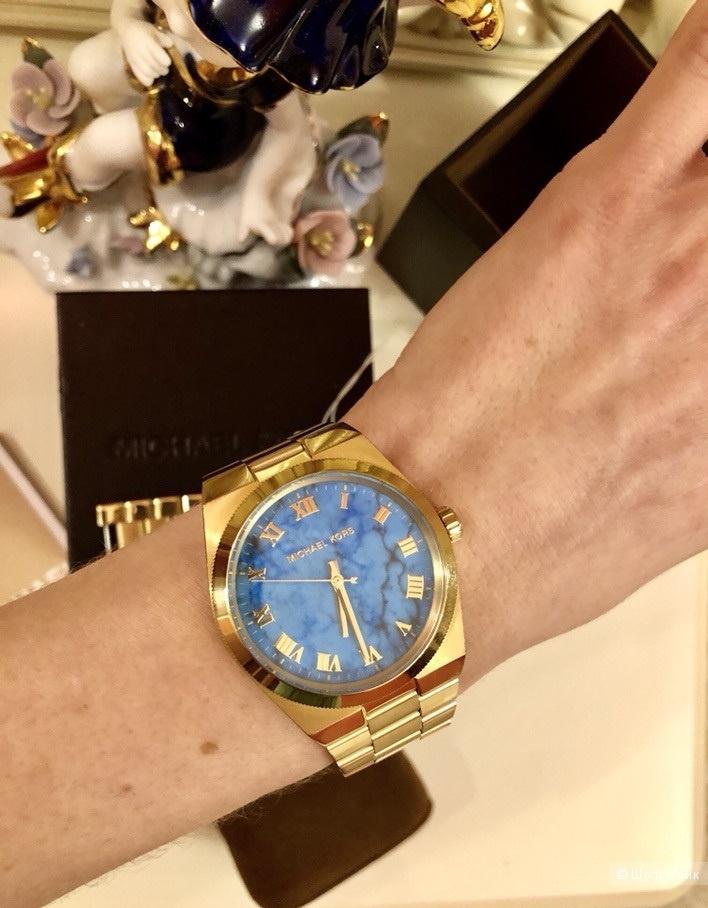 Часы Michael Kors.