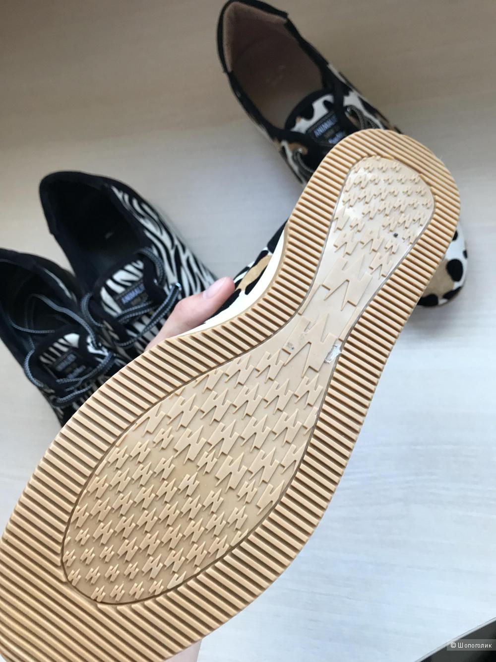 Кроссовки MaxMara 40 размер