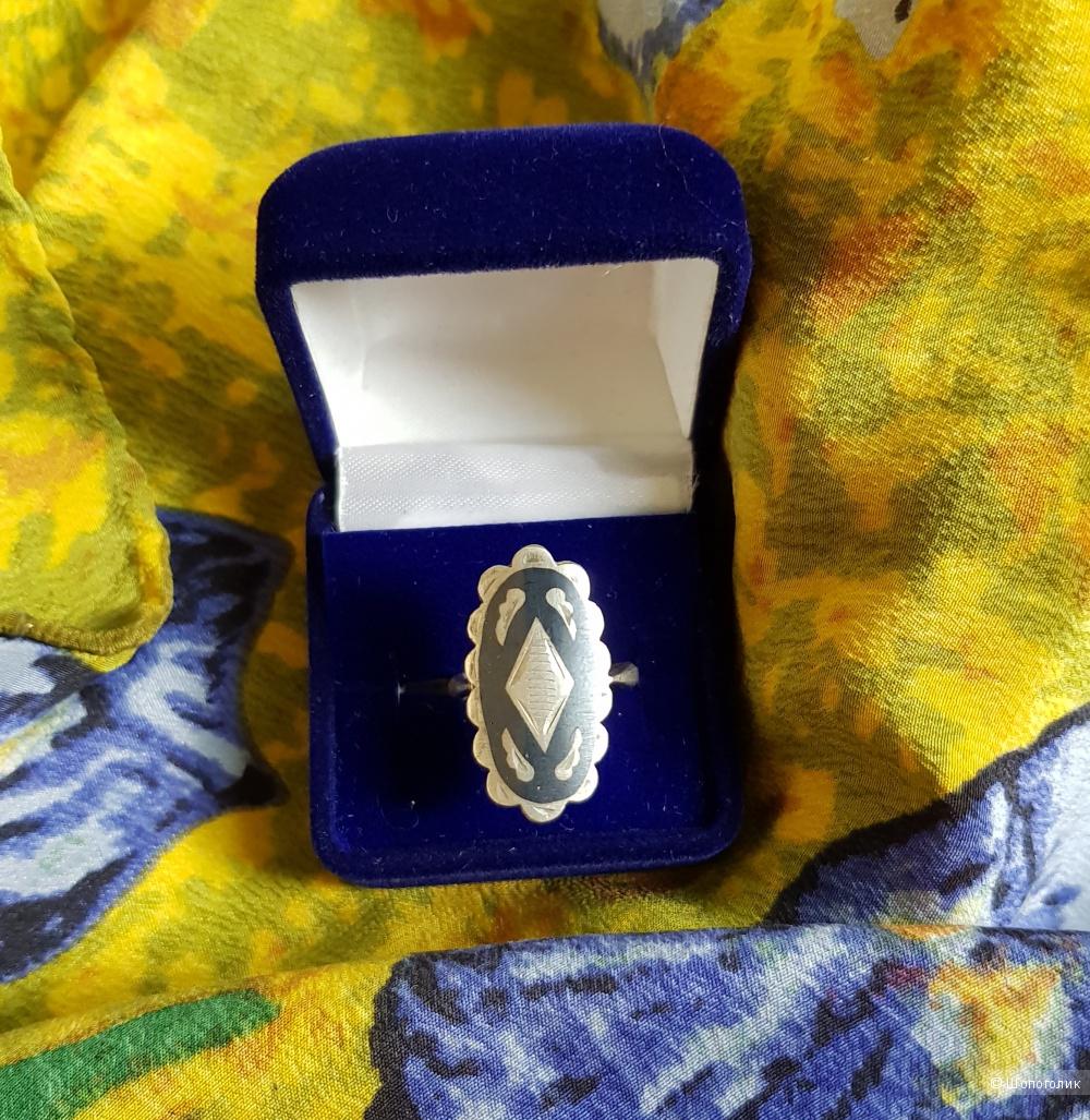 Кольцо серебряное 925 пробы 16 размер