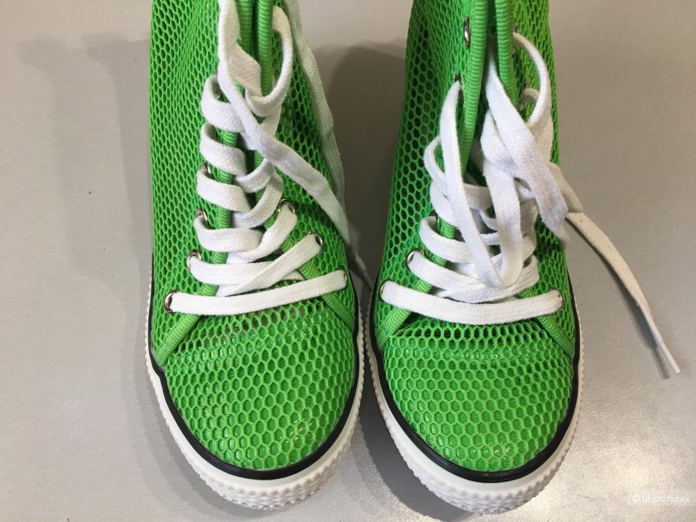 Кеды на платформе DKNY, размер 39. По стельке 24,5-25
