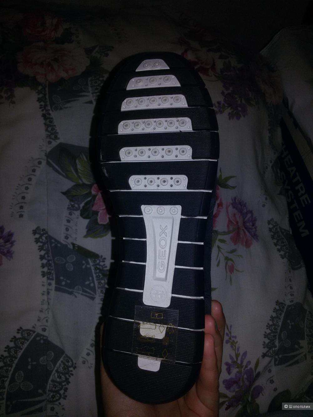 Кроссовки Geox размер 39