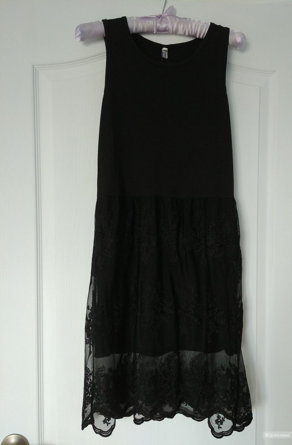 Платье с кружевом, размер S