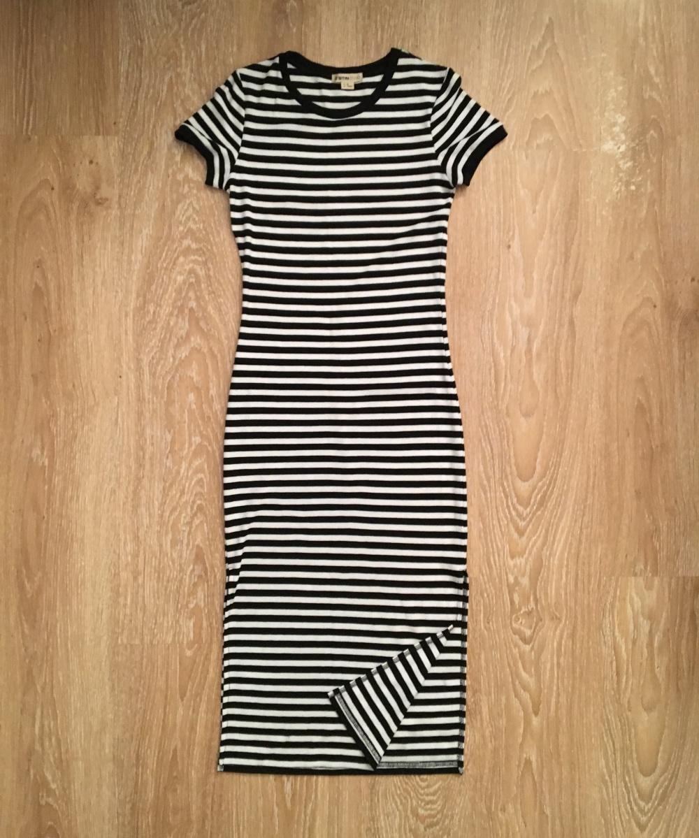 Платье Ostin XS