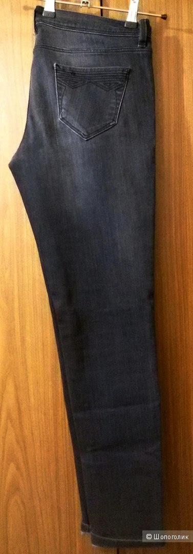 Джинсы Massimo Dutti на 46-48.