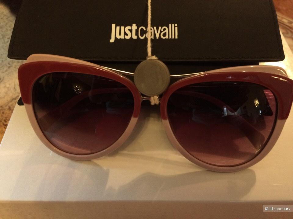Солнцезащитные очки JUST CAVALLI.