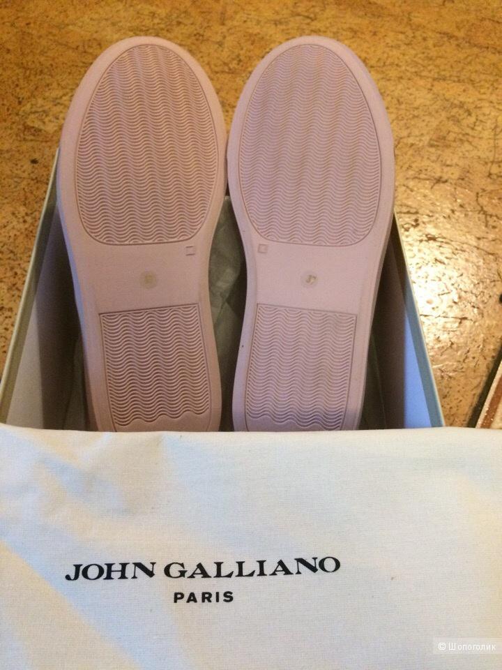 Слипоны  JOHN GALLIANO 37,5-38 размер.