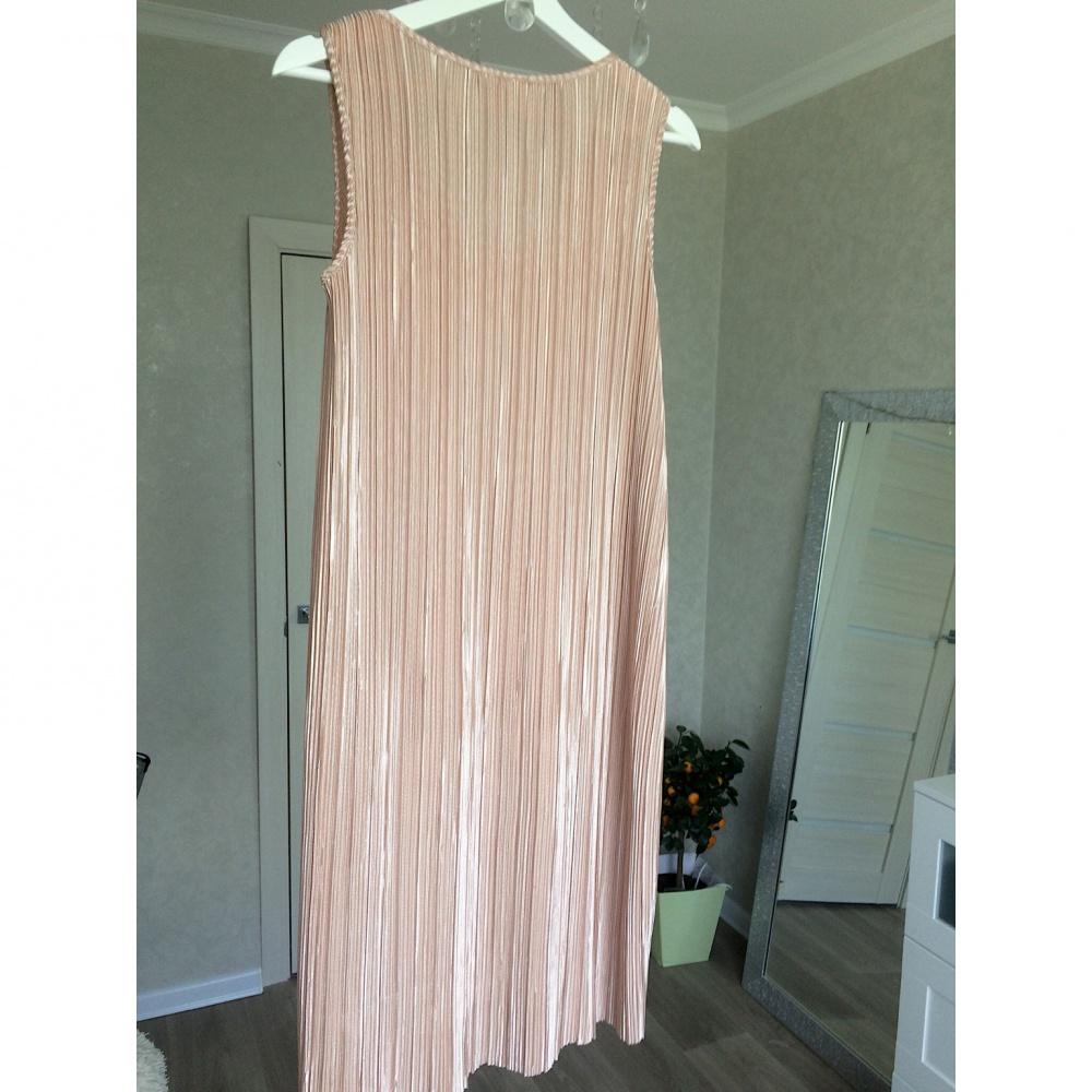 Плиссированное платье H&M, размер S