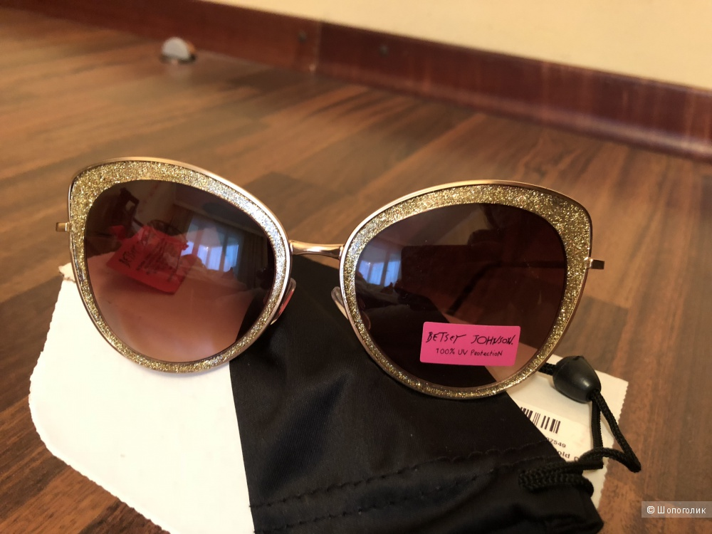 Солнцезащитные очки женские BETSEY JOHNSON