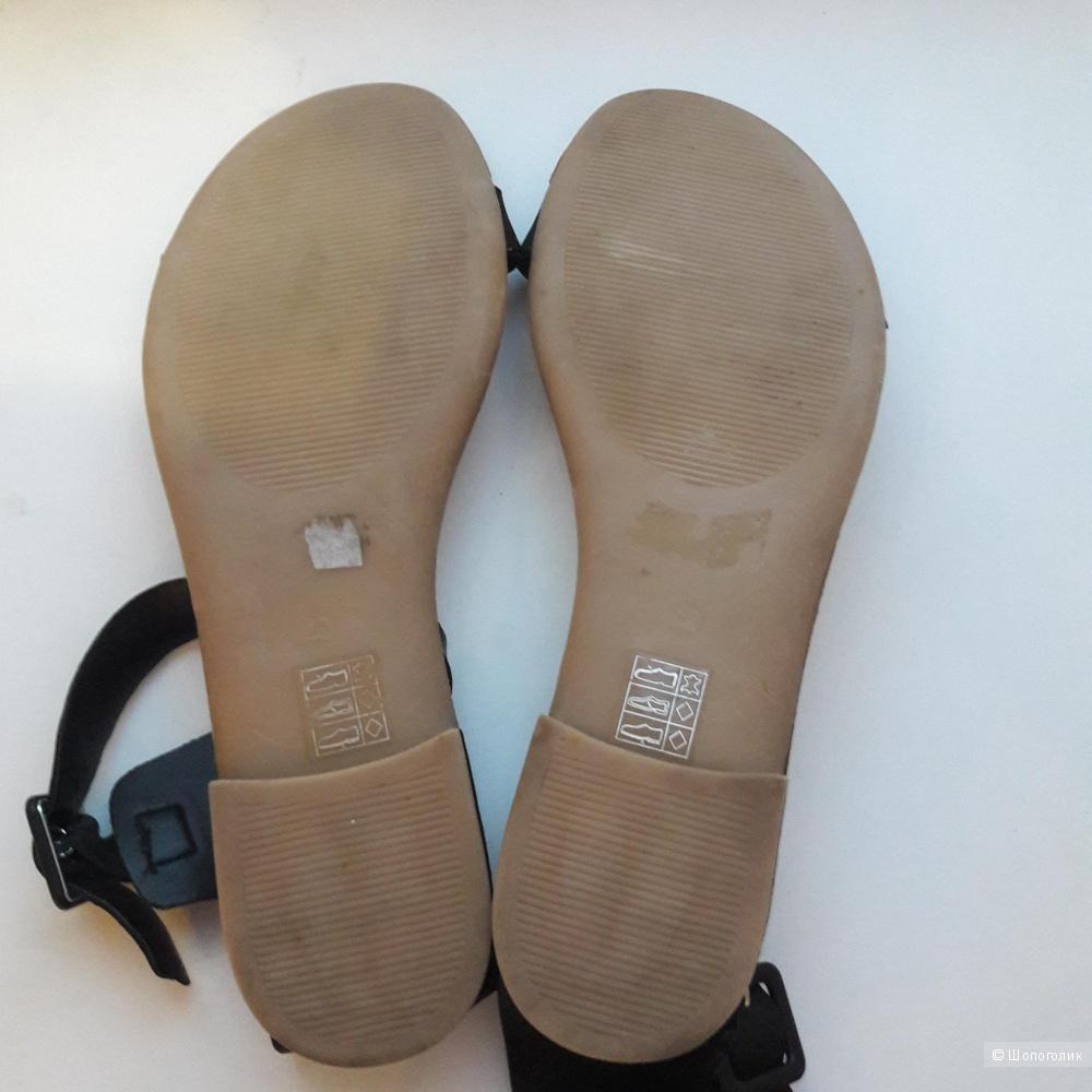 Кожаные сандалии Pieces размер 40