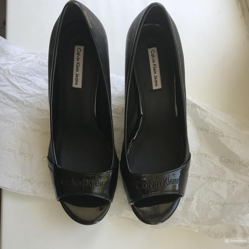 Босоножки Calvin Klein , размер 36,5