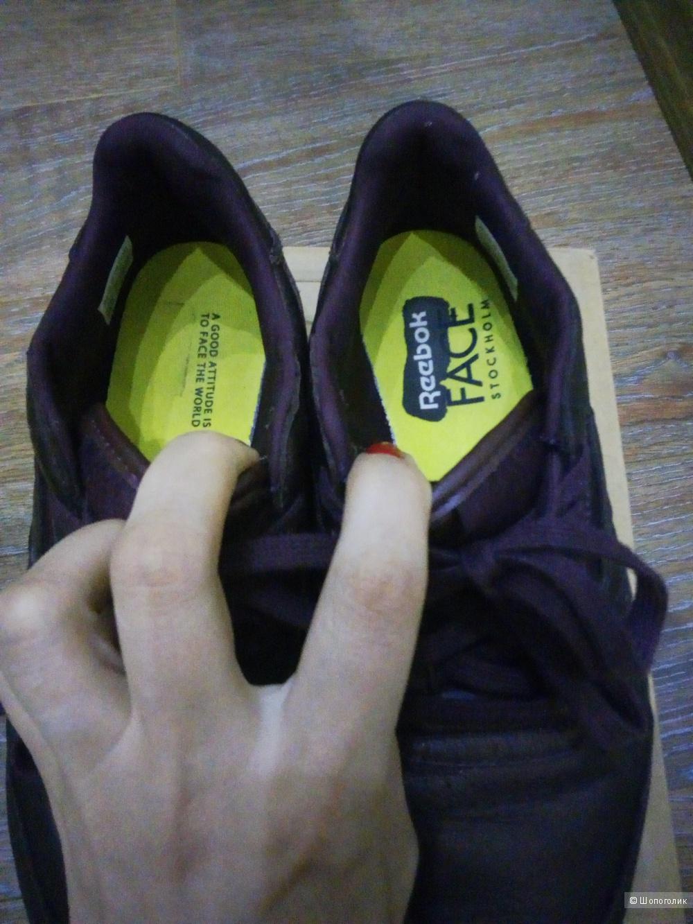 Кроссовки Reebok размер 7.5 USA
