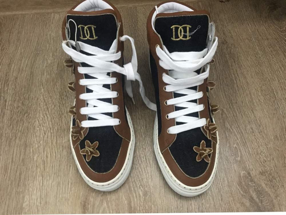 Высокие кроссовки DSquared2 39,5 (идут на 40)