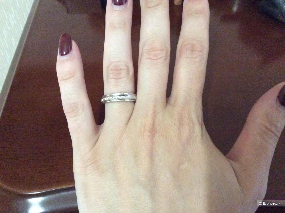 Кольцо Piaget, размер 17,7, белое золото, бриллианты.