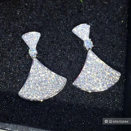 Серебряные серьги Веер с фианитами
