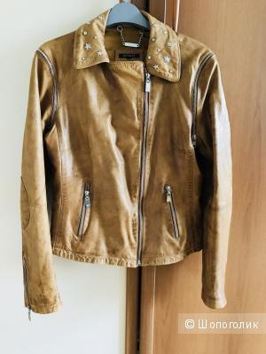 Кожаная куртка Apart 46