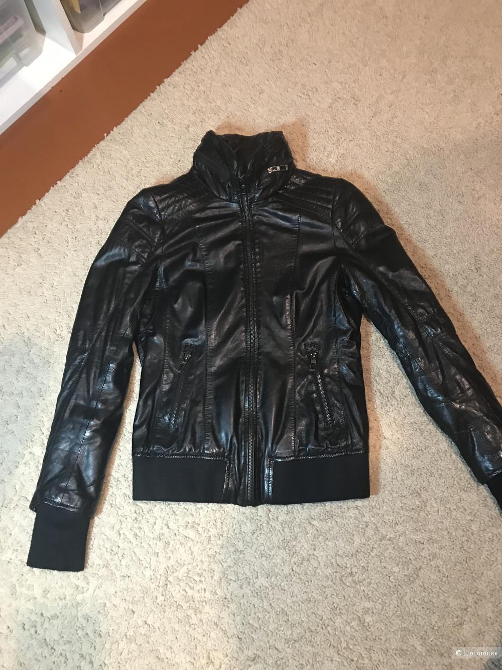 Кожаная куртка , размер XS