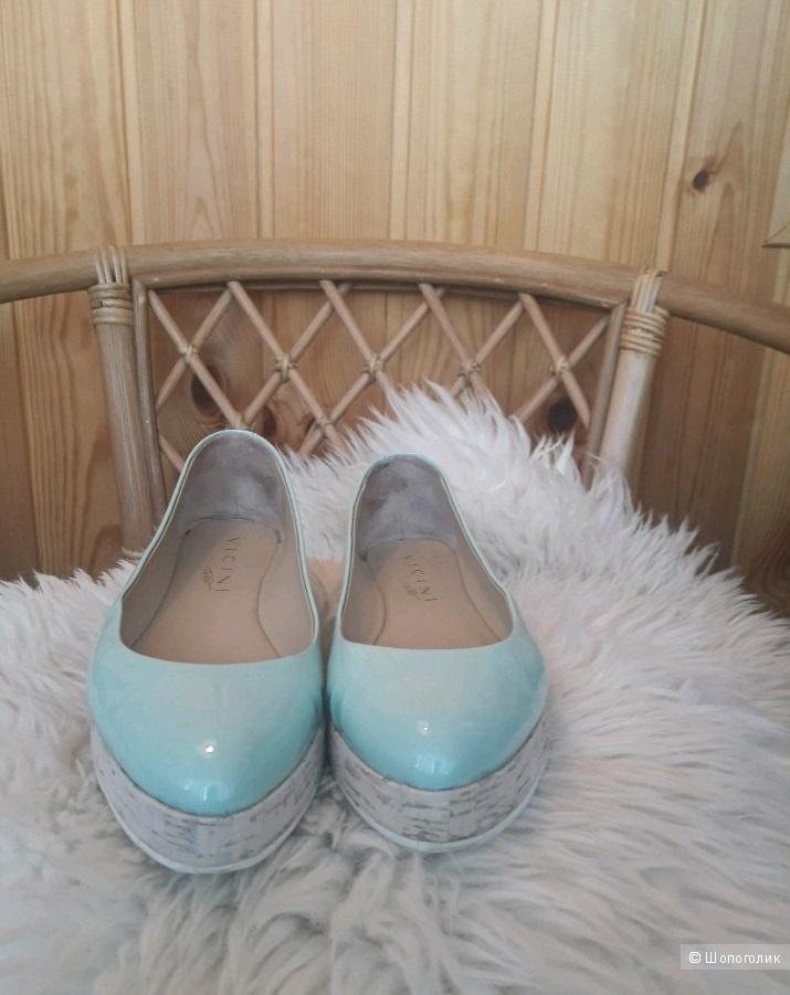 VICINI, туфли-лодочки. Размер: EU36.