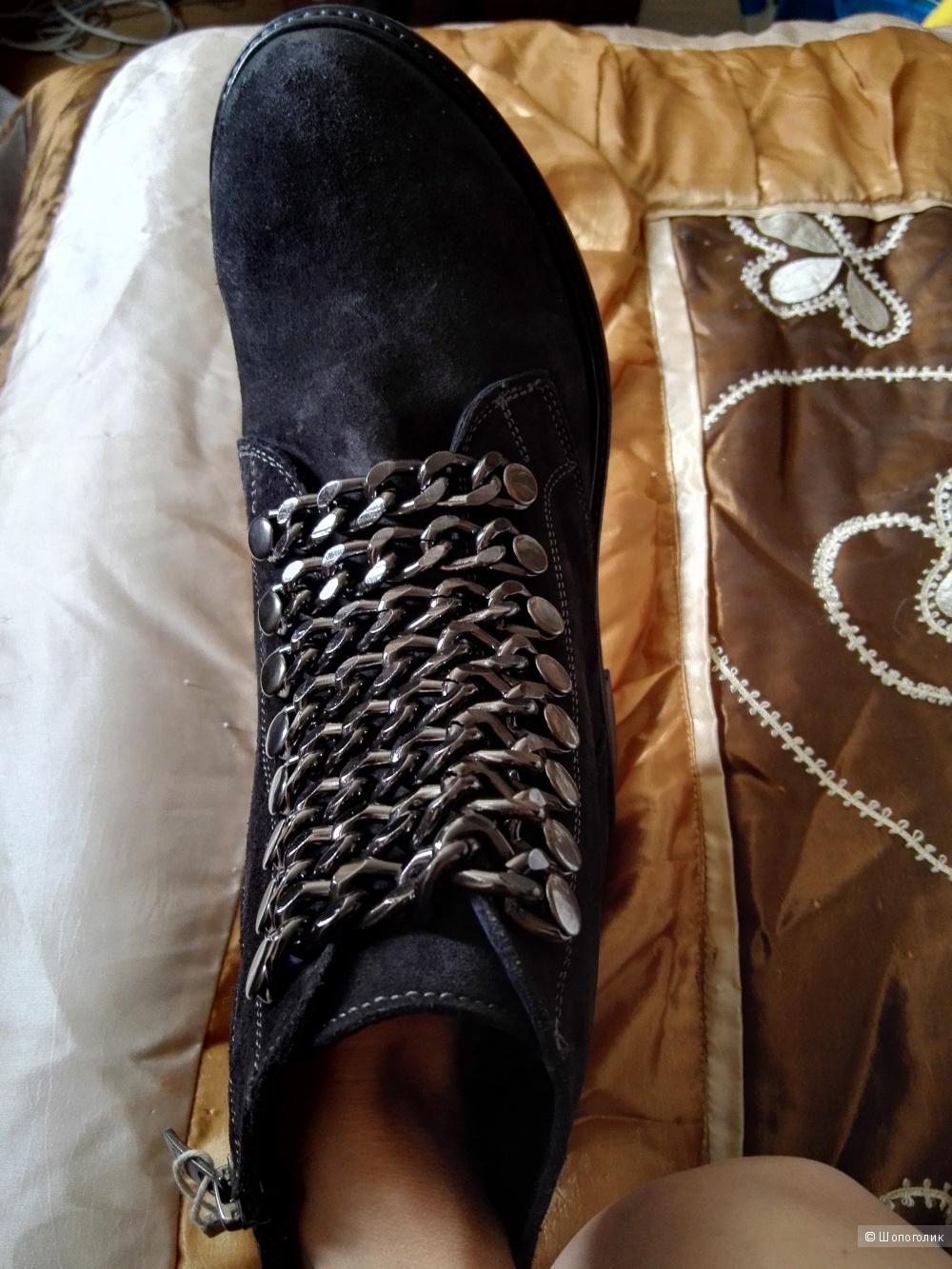 Ботинки CARPE DIEM  40 размер