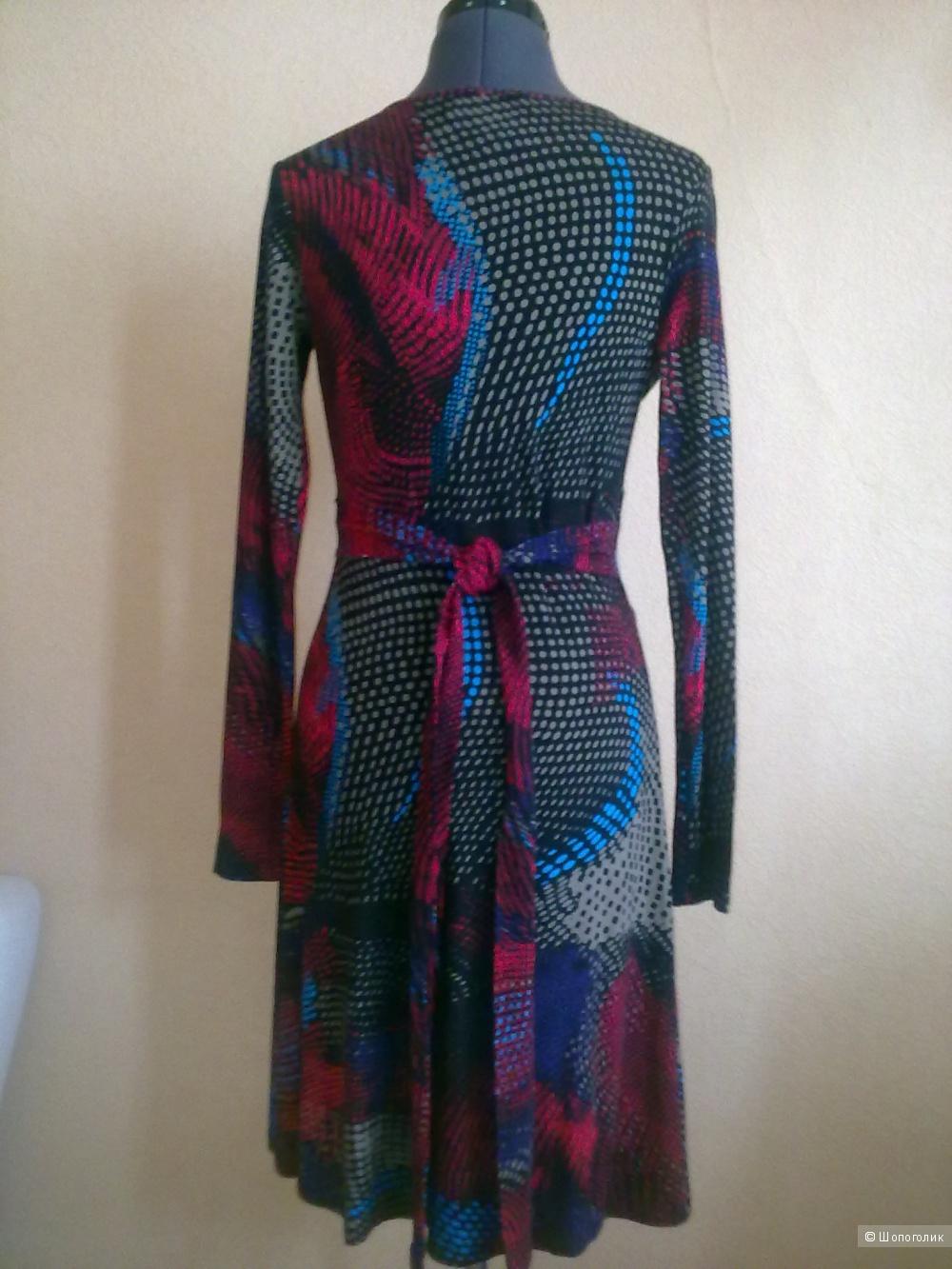 Платье Anna Scott, размер S.