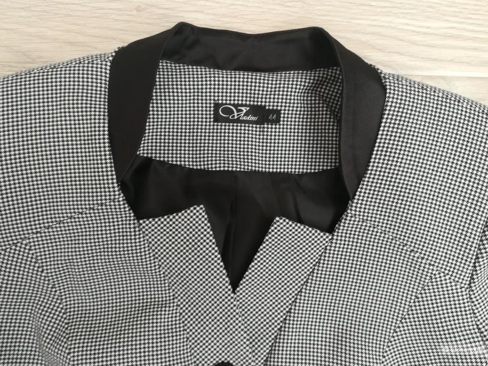 Деловой костюм Vladini 44-го размера