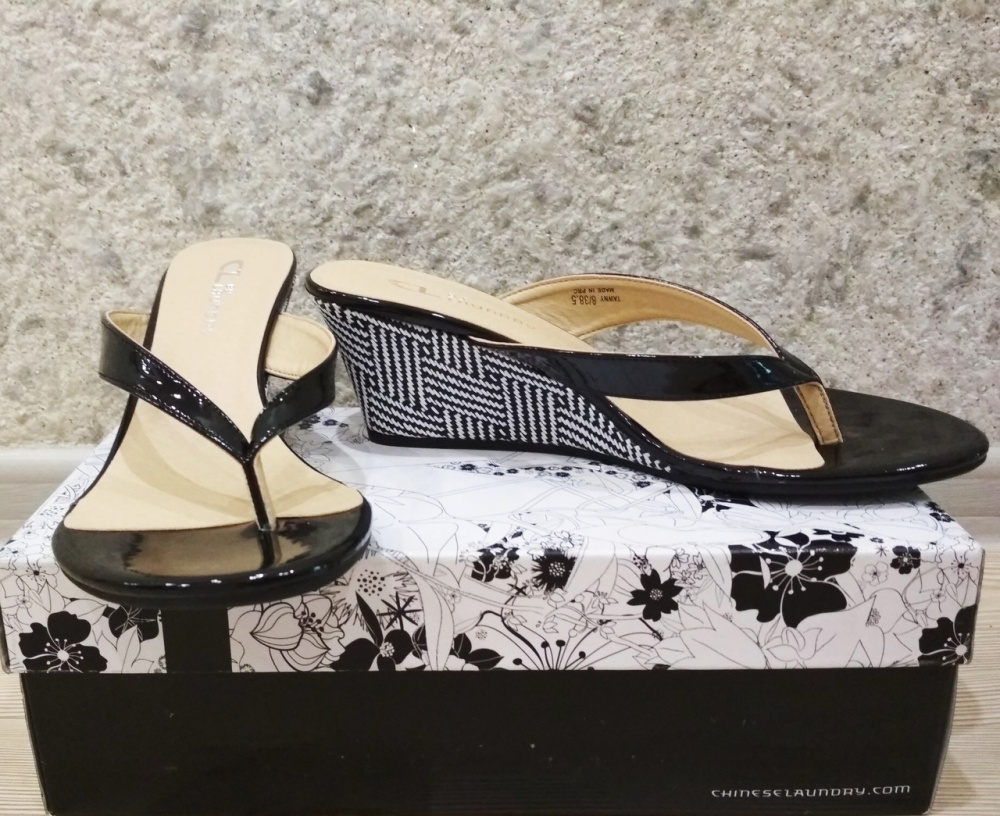 Босоножки-сланцы  Сl by Chinese Laundry  38 - 38,5