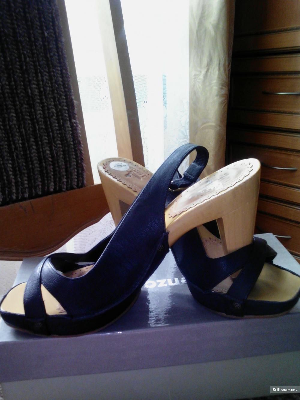 Босоножки. J Shoes. 40 размер.