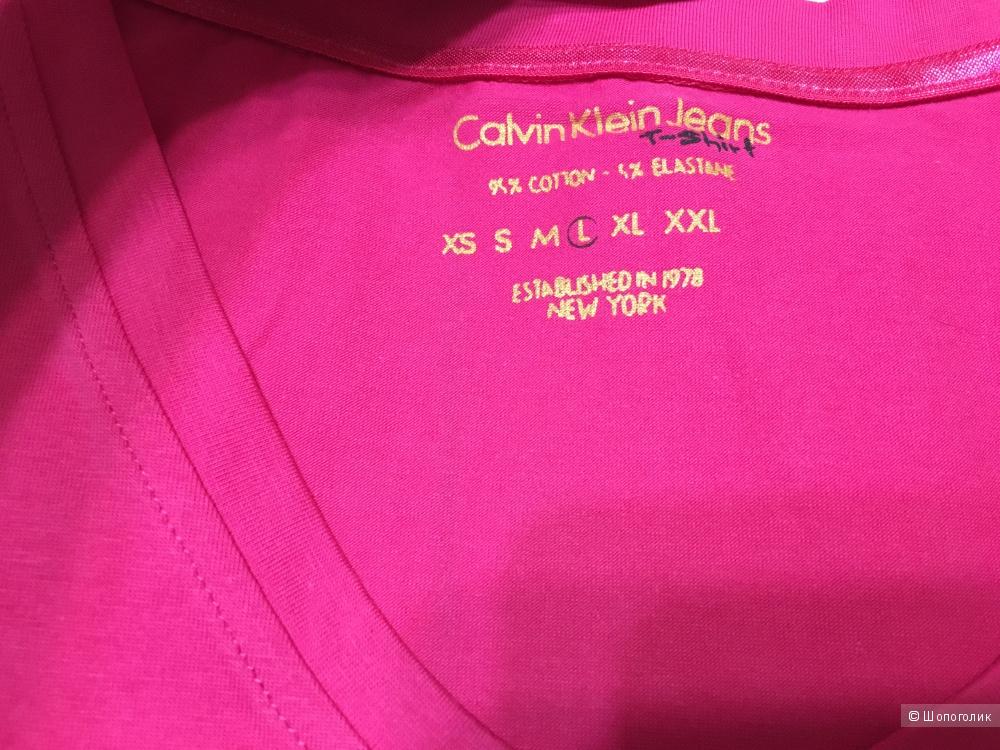 Футболка Calvin Klein Jeans. Размер L. На рос. 42-44
