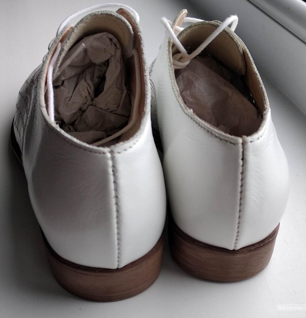 """Ботинки кожаные от """"Carlo Pazolini"""", р.37 (по стельке 24 см)"""