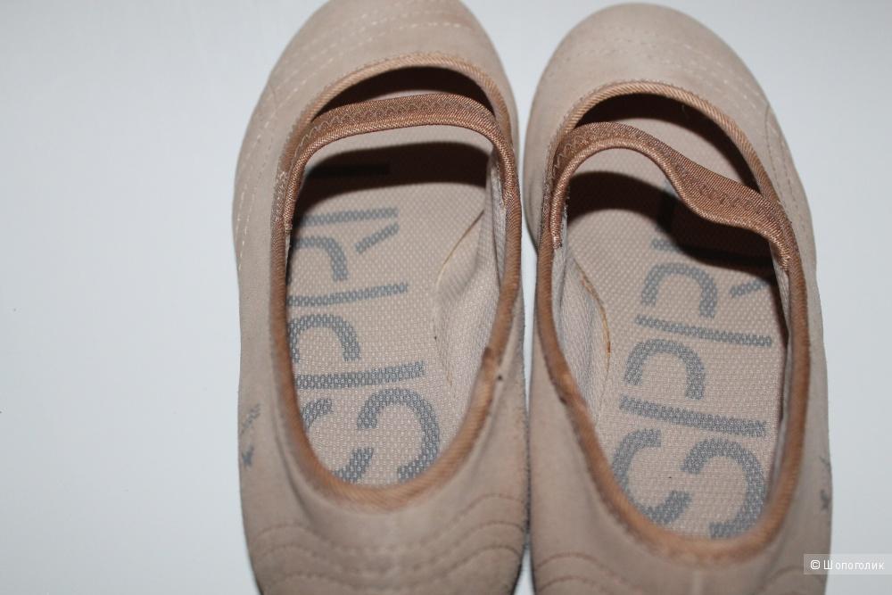 Замшевые балетки Esprit, размер 40 на 38-39