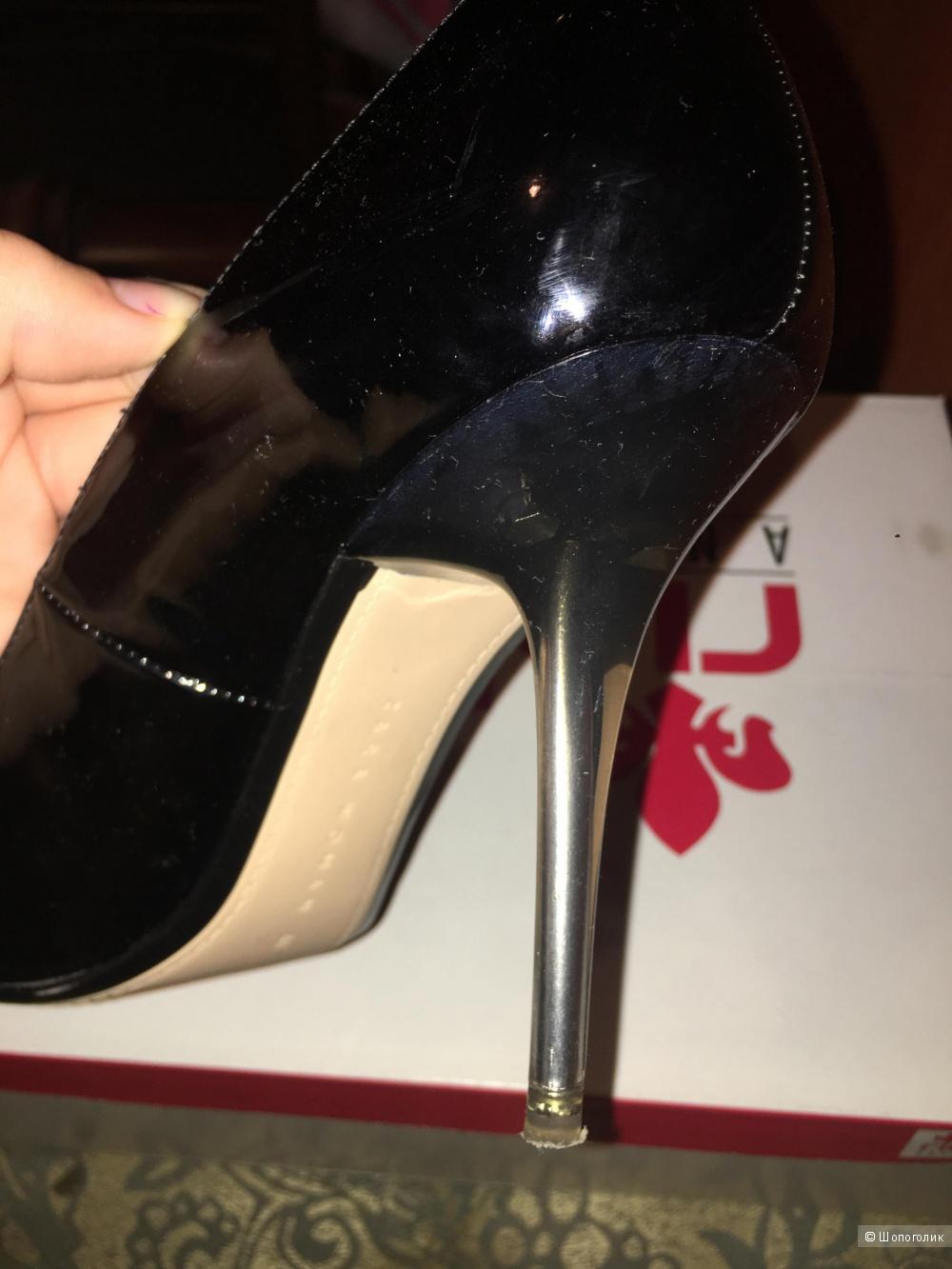 Туфли Zara 39 размер