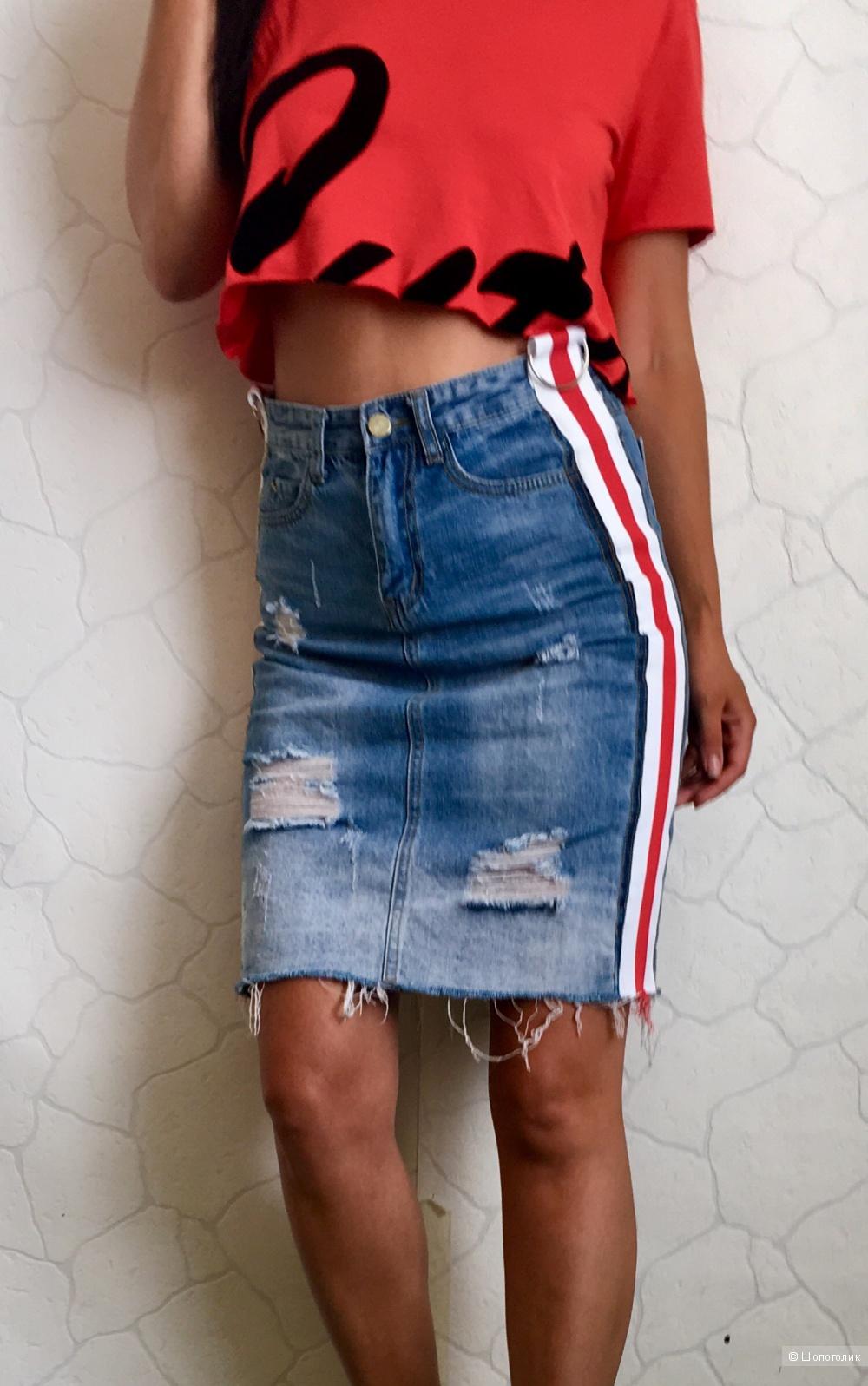 Джинсовая юбка . Размер S