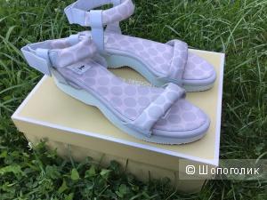 Сандалии adidas р.39-40