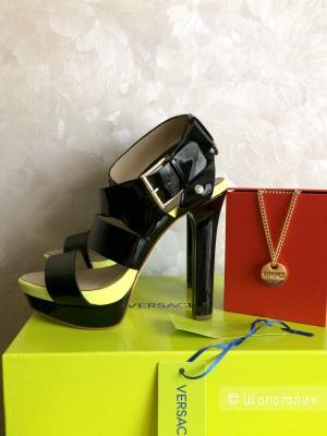 Босоножки Versace Jeans + брелок Versace 38-37,5