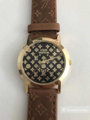 Часы женские LV