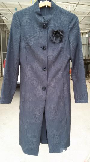 Легкое пальто / плащ р. 44