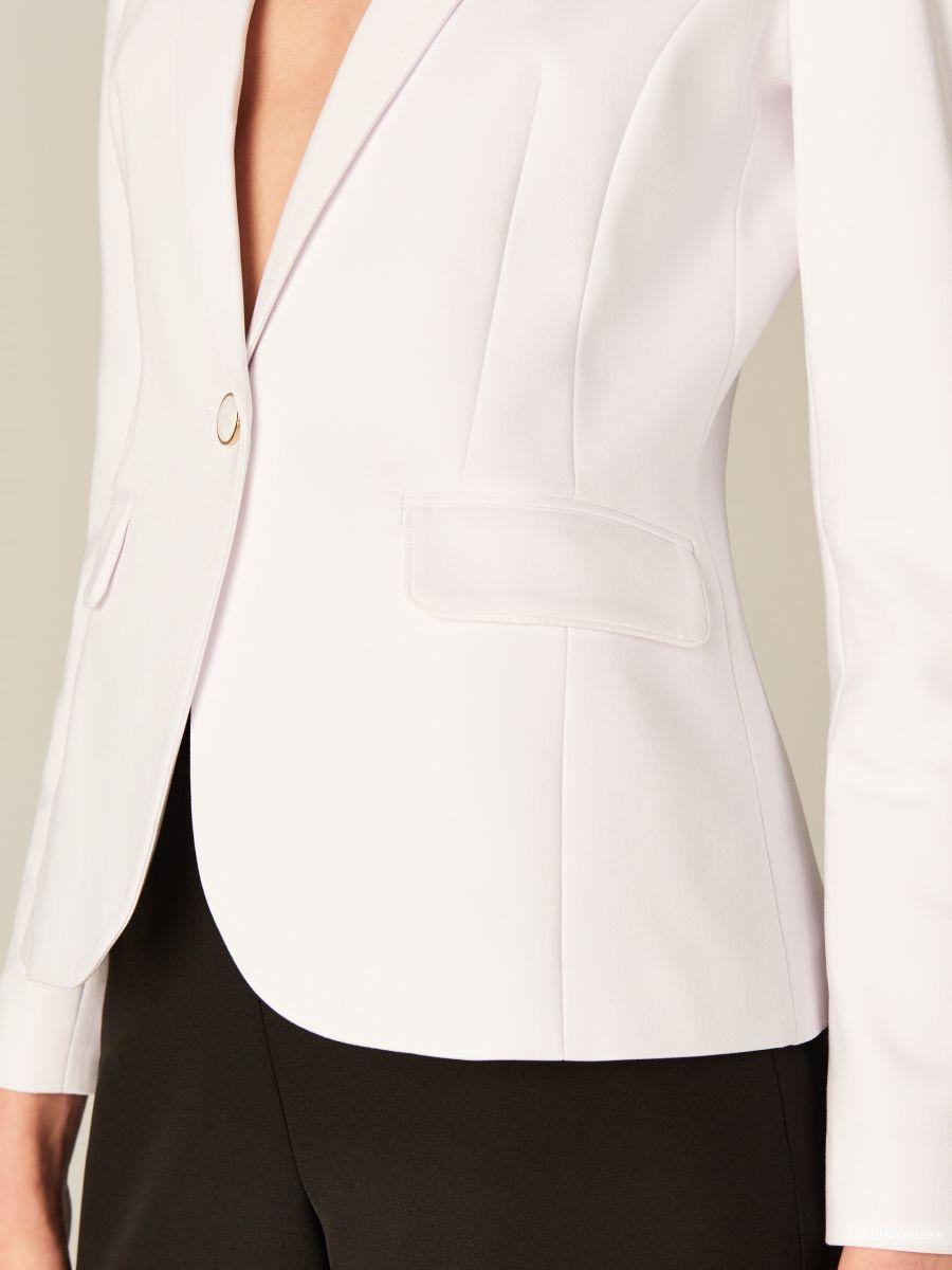 Белый пиджак MOHITO,р-р 40-42