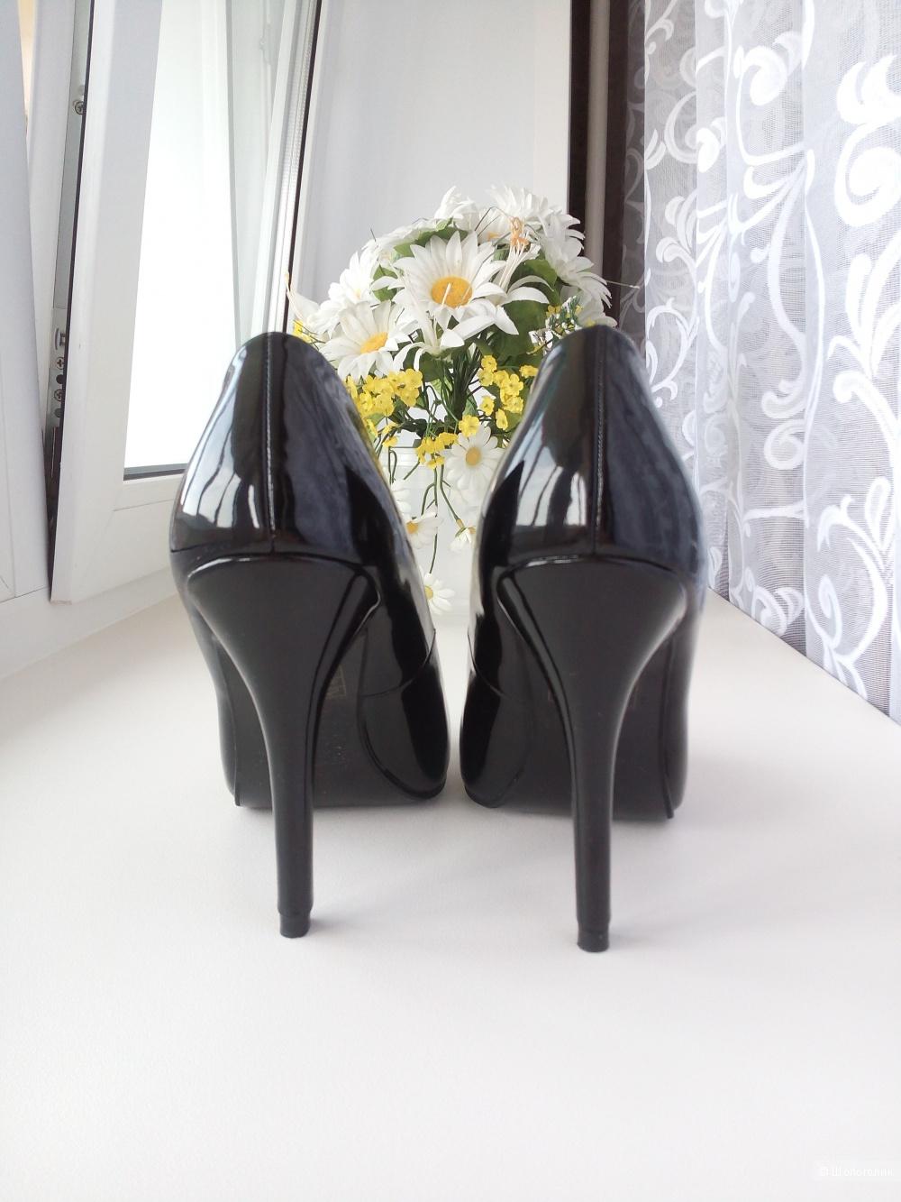 Лаковые туфли T.Taccardi, 38 RUS