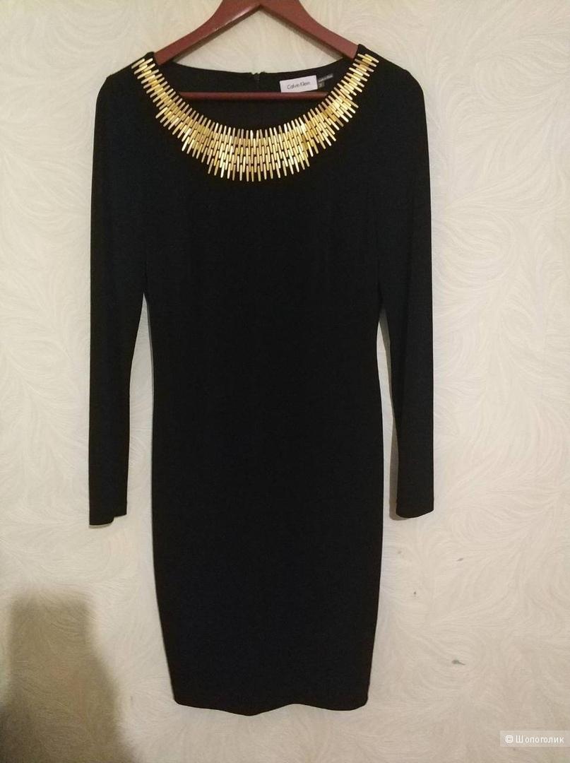 Платье футляр Calvin Klein  на 44-46