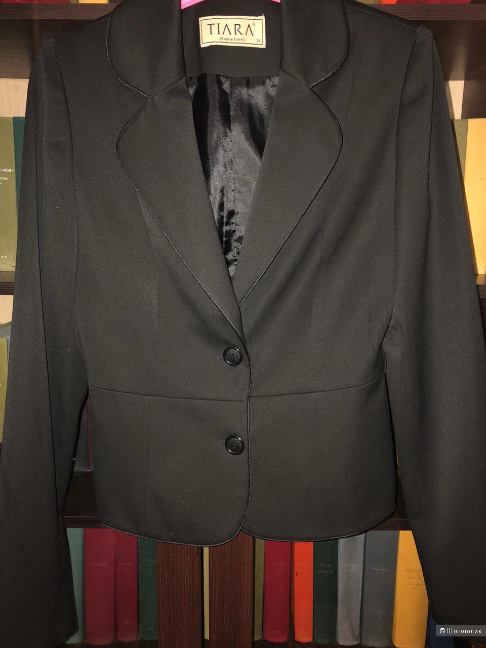 Костюм с юбкой TIARA 44 размера