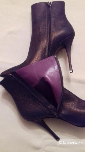 Новые итальянские сапоги, фирма LERRE, на 40 размер, цвет бронзовый/коричневый.
